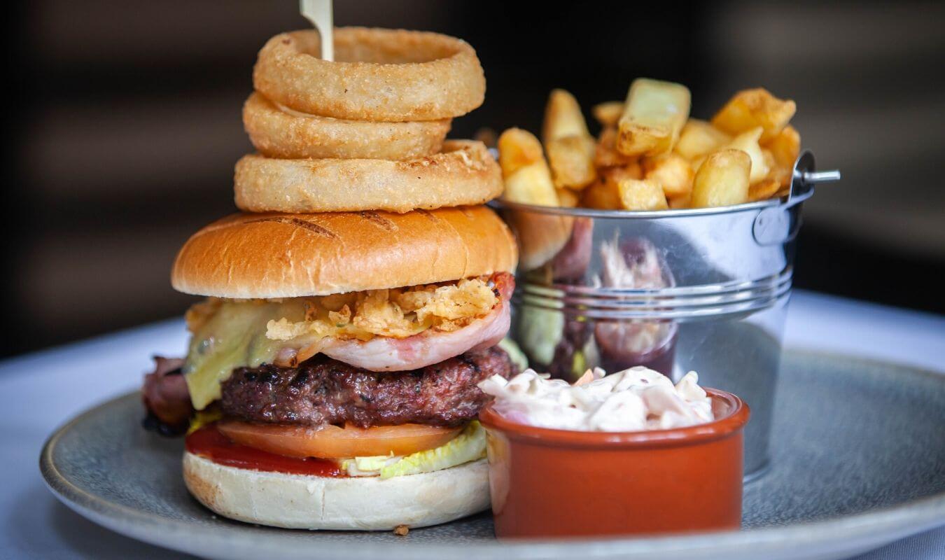 inn-at-woodhall-burger-main